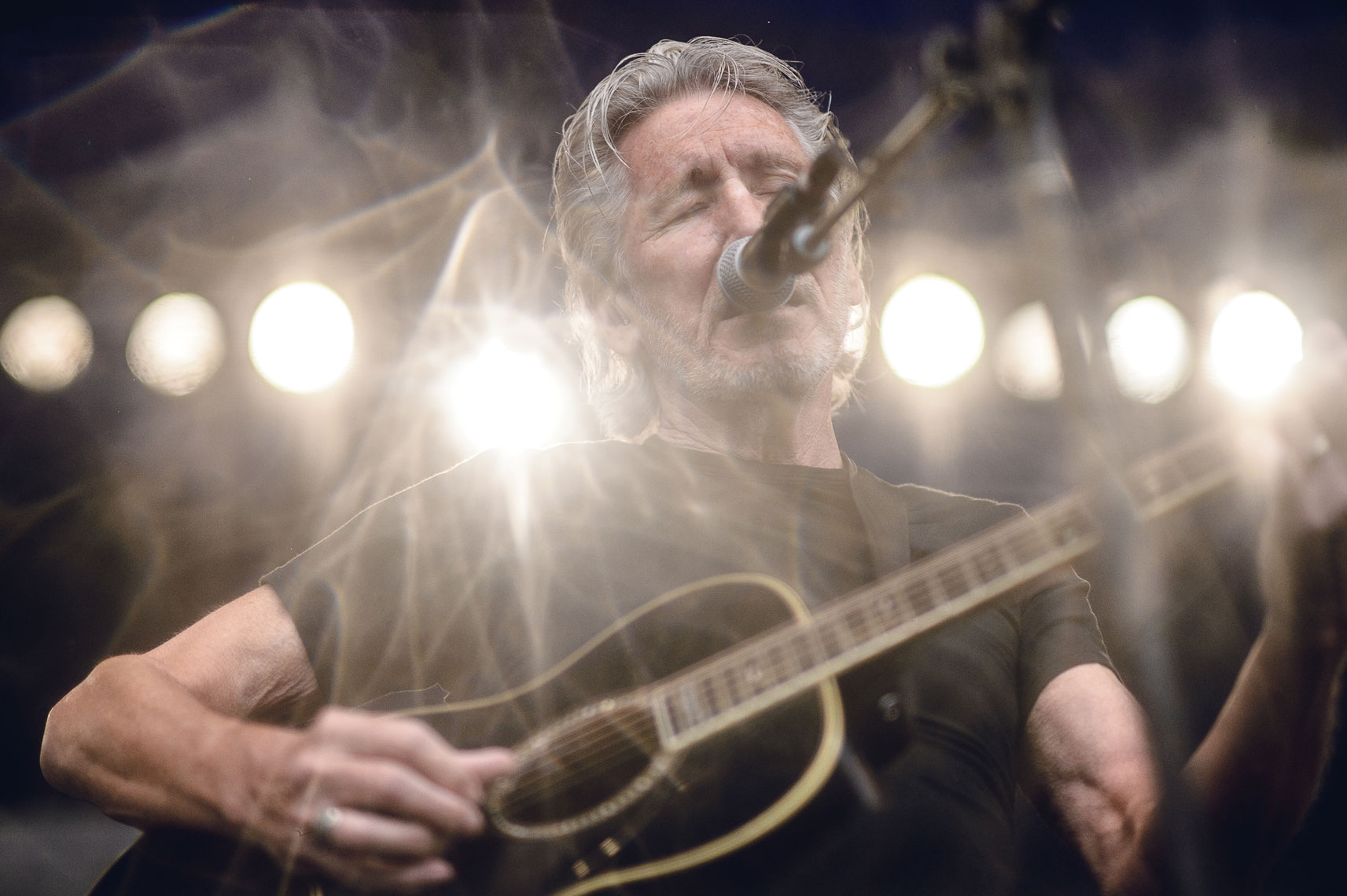 Roger-Waters-at-Newport-Folk-1